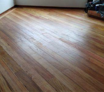 Mantenimiento y pulido de pisos de madera en Bogota (2)